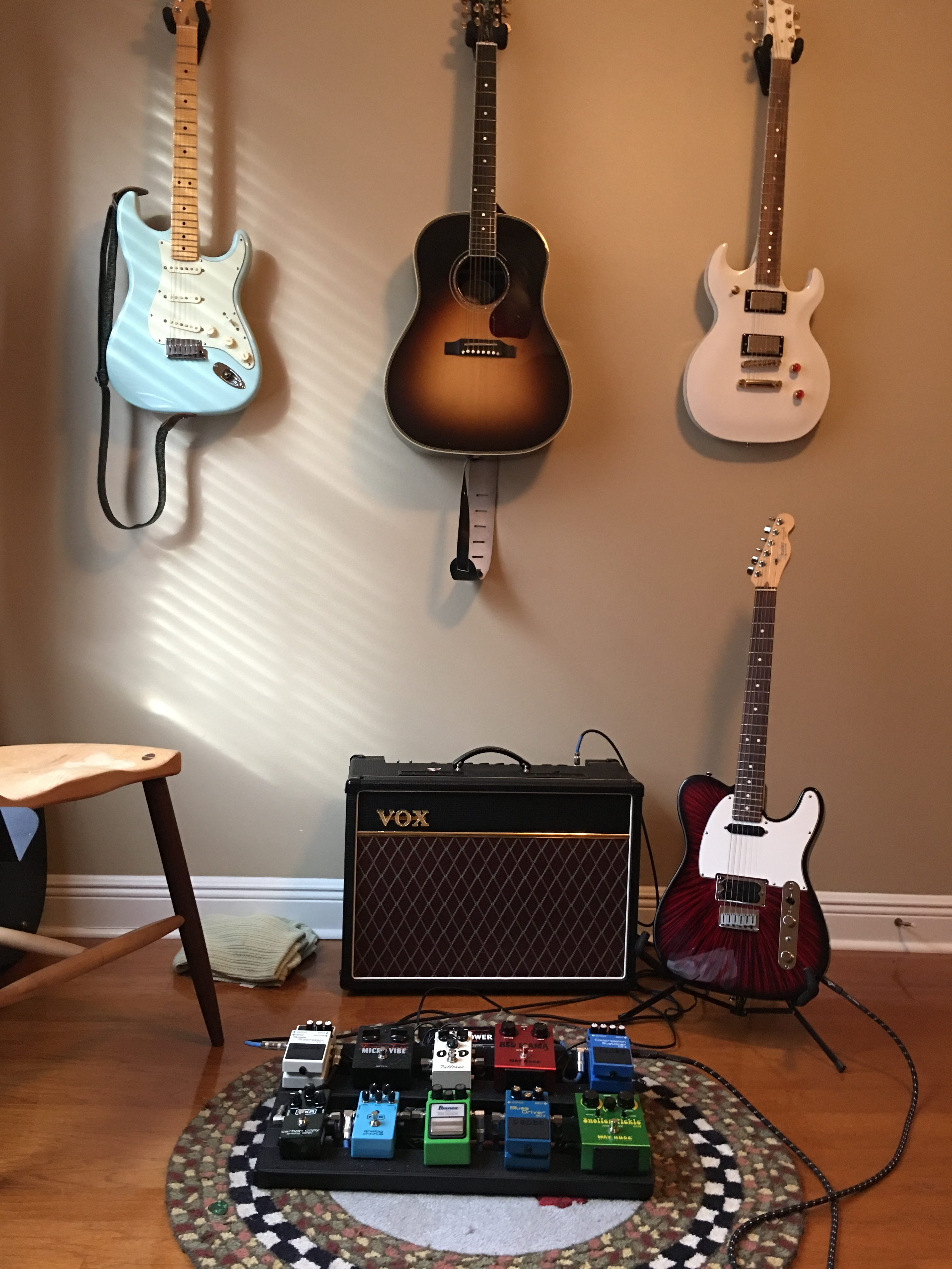 Andrew's guitar rig with pedal board